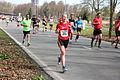 Veel deelnemers tijdens de marathon Rotterdam 2015.jpg