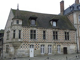 Verneuil-sur-Avre - Municipal Library building (15th century)