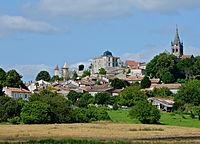 Villebois-Lavalette 16 Bourg depuis D17 2013.jpg