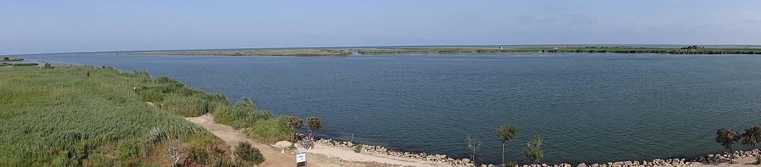 Vista des del Mirador Zigurat (Deltebre) 03.JPG