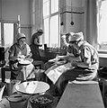Vrouwen in de keuken in het Joodse werkdorp in de Wieringermeer, Bestanddeelnr 254-4908.jpg