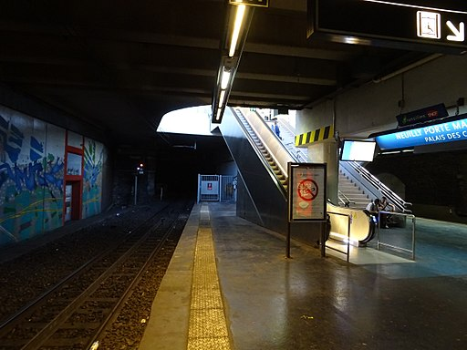 Vue vers le nord quai Neuilly-Porte Maillot