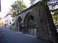 Würzburg - Bibrastraße Frühgotische Doppeltoranlage.jpg