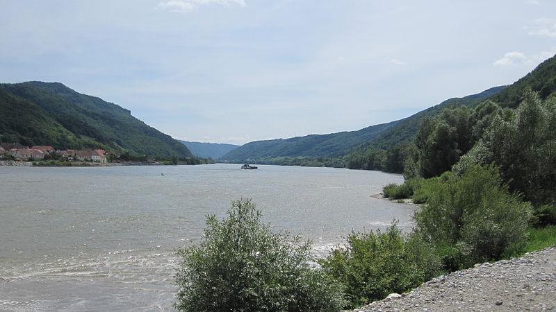 File:Wachau valley.JPG