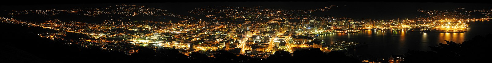 Night panorama of the city centre from Mount Victoria Wellington City Night.jpg