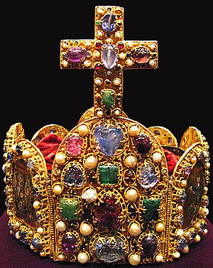 Imperial Crown of the Holy Roman Empire - Front view of the Imperial Crown