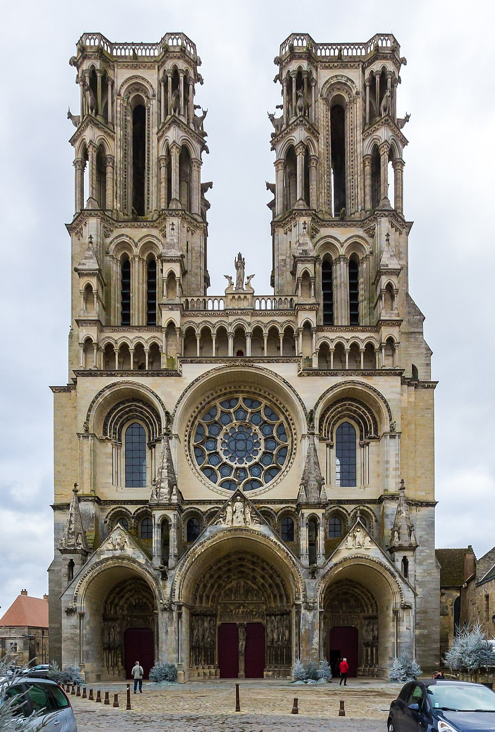 West facade of the Laon cathedral-5639