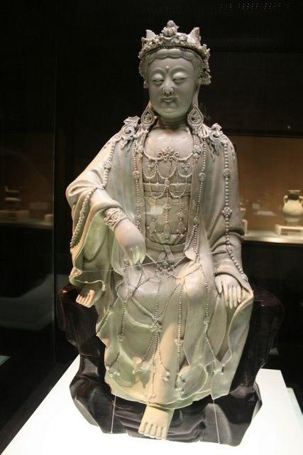 Yuan porcelain buddha