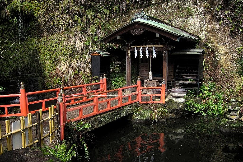 Zeniarai Benten Shrine (30224773300)