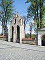 Zespół kościoła parafialnego p.w. Wniebowzięcia NMP 05.JPG