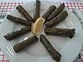 Zeytinyağlı yaprak sarma ve limon.jpg