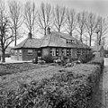 Zijstraatje van de Brink, achter oneven nummers Ockhuizenweg, voor- en zijgevel - Haarzuilens - 20099427 - RCE.jpg