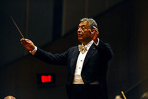 English: Zubin Mehta conducting the Israeli Ph...