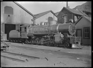 """X"" class (compound) steam locomotive 588, 4-8-2 type. ATLIB 257736.png"