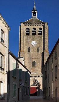 Église saint étienne Jargeau.jpg