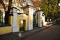 Ограда с воротами церкви Покрова Пресвятой Богородицы. Акулово.JPG