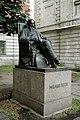 Памятник у института, где жил и работал Менделеев - panoramio.jpg