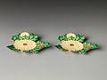 乾山様式 菊形皿-Kenzan-style Dish in the Shape of Chrysanthemum MET DP269537.jpg