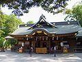 大國魂神社の拝殿 東京都府中市 2013.5.17 - panoramio.jpg