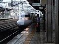豊橋駅に進入する新幹線.jpg