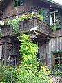 - Holzbalkon mit Katzenschlafplatz am Aussee.jpg