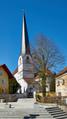01-Pfarrkirche Neukirchen am Inn Ansicht von Südosten.png