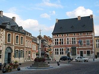 Theux - Image: 0 Theux Place du Perron (2)
