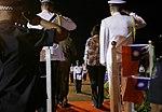 11.01 總統抵達索羅門群島,蘇嘉瓦瑞總理並陪同蔡總統登上受禮台,接受儀隊指揮官行禮致敬 (37379381864).jpg