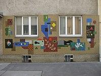 1170 Blumengasse 13 - Wandmosaik Vögel und Pflanzen von Alfred Kornberger 1962 IMG 4561.jpg