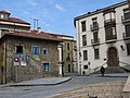 120 Pl. Periodista Arturo Arias (Cimavilla, Gijón), Casa del Escalerón i l'antiga Fàbrica de Tabacs.jpg