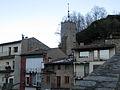 160 Camprodon, torre del rellotge i murs del castell.jpg