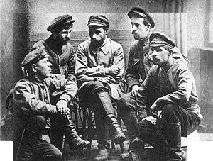 Gavril Myasnikov - A. W. Markow, Iwan Kolpaschtschikow, Gavril Ilyich Myasnikov (middle), W. A. Iwantschenko and N. W. Schuschgow.
