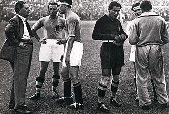 1934 FIFA World Cup - From left to right: Italian manager Pozzo, Monzeglio, Bertolini, the goalkeeper and captain Combi, Monti (half-hidden) and the assistant manager Carcano (behind) before the start of extra time in the victorius final versus Czechoslovakia