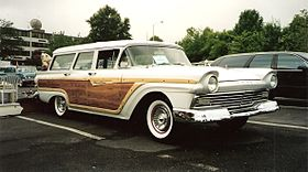 1957 Ford Country Squire.jpg