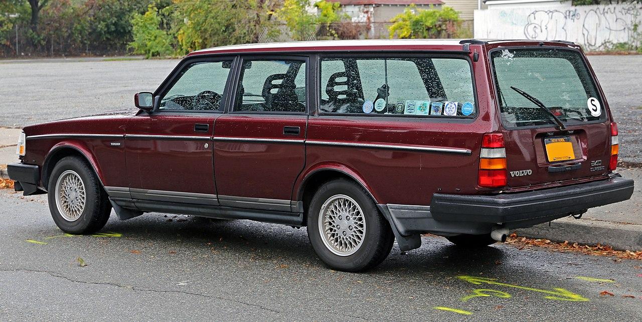 File:1993 Volvo 240 Classic Estate, rear left.jpg - Wikimedia Commons