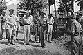 1e Infanterie Brigadegroep generaal Kruls tijdens inspectie van een locatie, , Bestanddeelnr 4279.jpg