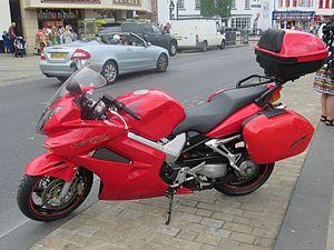 Honda VFR800 - Image: 2003 Honda VFR 800 A 3