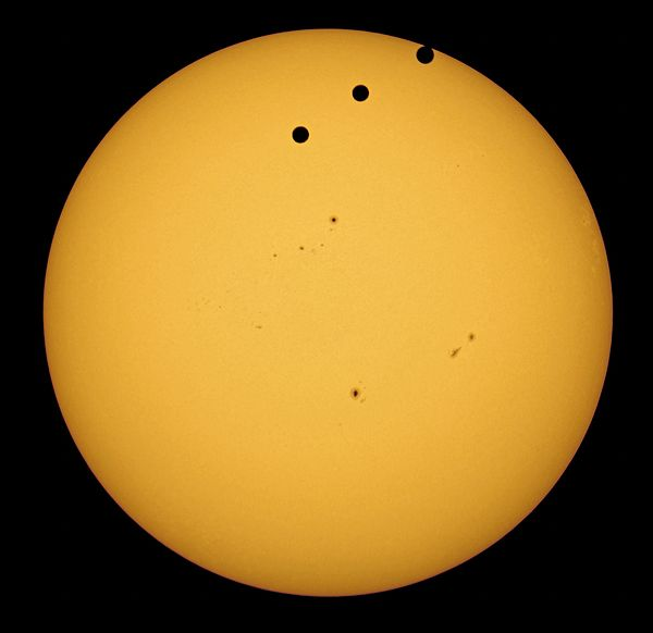 2012 Transit of Venus from Amman, Jordan.jpg