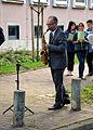 2013-09-15 Gedenktafel Neue Synagoge Hannover (05) Thomas Zander, Saxophon, SchülerInnen der Heisterbergschule.JPG