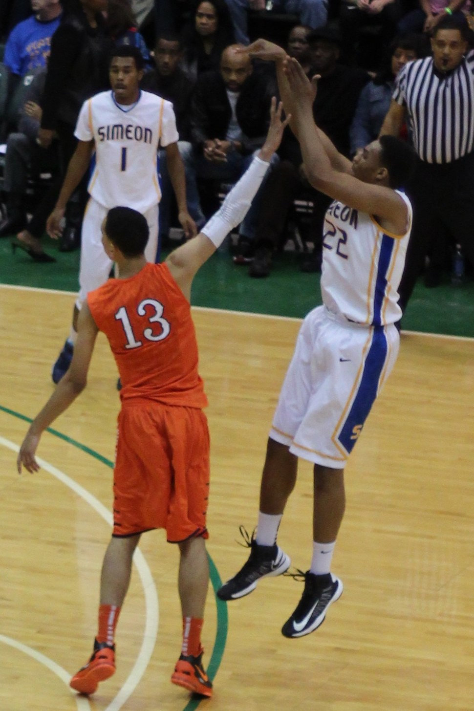 20130126 Jabari Parker shooting over Paul White at Simeon-Whitney Young game