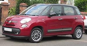 Fiat 500L - Image: 2014 Fiat 500L Lounge 1.4