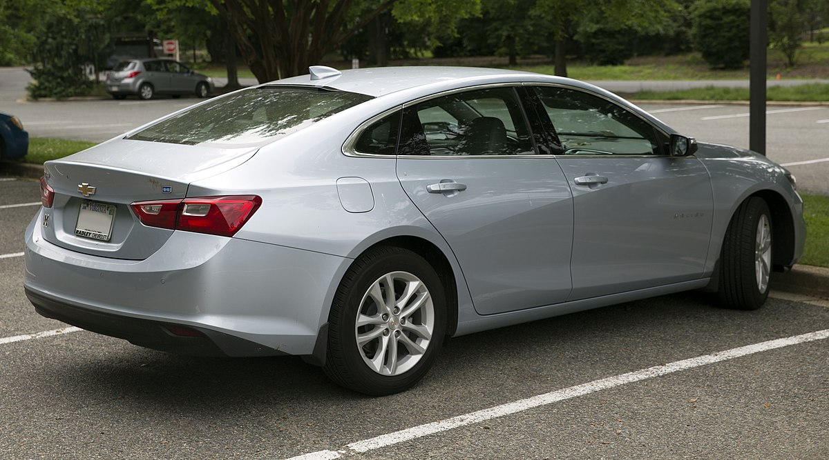 File 2017 Chevrolet Malibu Hybrid Rear Right Jpg Wikimedia Commons