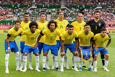 Vriendskaplike sokkerwedstryd tussen Oostenryk en Brasilië op 10 Junie 2018 in die Weense Ernst-Happel-stadion, net voor die FIFA Sokker-Wêreldbekertoernooi in 2018 in Rusland. Die prent toon die Brasiliaanse nasionale sokkerspan: Paulinho (15), Thiago Silva (2), Danilo (14), Miranda (3), Alisson (1), Neymar (10), Willian (19), Marcelo (12), Casemiro (5), Gabriel Jesus (9) en Philippe Coutinho (11).