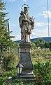 2018 Figura św. Jana Nepomucena w Nowej Łomnicy 1.jpg