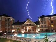 اخطار الكهرباء 180px-7942a_-_Russett_-_Concord_Park
