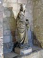 Abbaye de Royaumont - Statue de la Vierge allaitante dans les cuisines.jpg