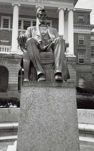 Abraham Lincoln Statue (Kentucky) - Image: Abraham Lincoln by Adolph Weinman (1909) IAS 77006746