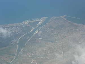 Ostia (Rome) - From the air: Ostia (left) and Fiumicino (right)