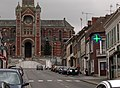 Ailly-sur-Noye rue St-Martin et porche de l'église.jpg