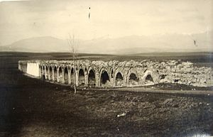 Skopje Aqueduct - Historical images of Skopje: Аqueduct.